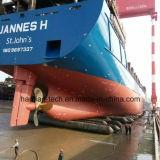 Lancement de navires de récupération portant des sacs gonflables marins pour chantier naval