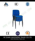 с пластичным подлокотником стула сетки
