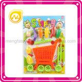 子供のティーセットのデザートが付いている買物をするトロリーおもちゃ