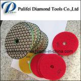 다이아몬드는 대리석 돌 닦는 패드를 도구로 만든다