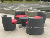 Insiemi accatastabili del sofà di figura del vaso Hc-W-Vc09 in mobilia del giardino del rattan