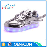 L'éclairage LED personnalisé badine des chaussures avec le chargeur d'USB