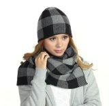 Связанные зимой шлемы Beanie Earflaps с шарфом