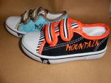Продавать смешивание вводит ботинок впрыски малышей ботинки в моду холстины Stock Stock