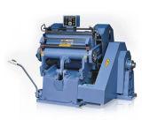Machine de découpage de se plisser et de découpage de la machine Zx1040