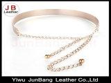 女性の金か銀製の完全な金属Blingミラーの版ベルト