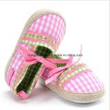 Chaussures de bébé d'intérieur d'enfant en bas âge 08