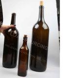 Bottiglia di vetro gigante della birra