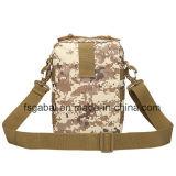 As forças armadas impermeáveis ao ar livre camuflam o saco do mensageiro do ombro do esporte