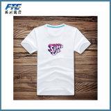 T-shirt fait sur commande d'amoureux de coton avec le modèle d'UR