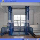 Plate-forme fixée au mur verticale de levage de cargaison d'entrepôt