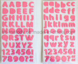 Scrapbooking와 Papercrafts를 위해 완벽한 다색 중간 알파벳 거품 스티커