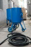 Artificieri industriali della sabbia che Sandblasting il serbatoio Sandblast/del POT