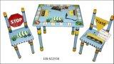 La Meuble-Table et les chaises d'enfants ont placé (EB-JL624)