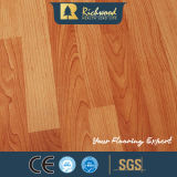 Panneau de vinyle 8.3mm E1 AC3 Embossed Walnut Laminate Waterproof Laminated Wood Flooring
