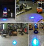 Vorkheftruck die het Blauwe Licht van de Waarschuwing van het Licht van de Veiligheid voor Vorkheftruck naderen