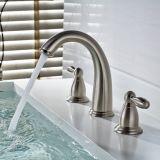 Faucet escovado niquelar do misturador do furo do dissipador 3 da bacia do banheiro