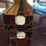 Material de aislamiento para puerta de aluminio