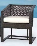 Nachgemachter Rattan-Stuhl-Tisch-gesetzte im Freiengarten-Hof-Freizeit-Möbel