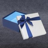 뚜껑을%s 가진 관례에 의하여 돋을새김되는 은 도금 로고 엄밀한 마분지 선물 상자