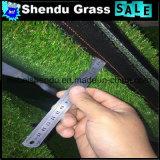 Uの形の4音色40mmの人工的な草のカーペット