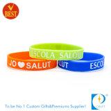 Bracelet promotionnel de coloration de silicones enfoncé par sport au prix usine