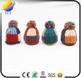 Повелительницы фасонируют теплые корейские новые шлемы зимы