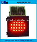 Luzes de piscamento do diodo emissor de luz dos sinais de tráfego do amarelo do painel solar