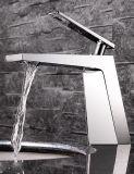 Europäischer Art-einfacher moderner Badezimmer-Küche-Hotel-Hahn-heißes und kaltes künstlerisches Bassin-Wäsche-Bassin-einzelnes Loch-einzelne Griff-Chrom-Messingfarbe