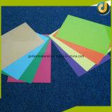 Vendendo as tampas coloridas quentes do emperramento da folha do PVC para cadernos