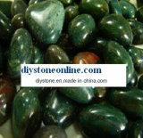 Pedras verdes do seixo para a decoração