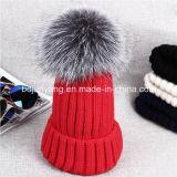 クリスマスの帽子の女の子本物のラクーンファーポンポンニットかぎ針編みの帽子