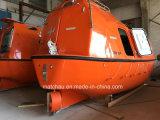 Ofício de água marinha com o barco salva-vidas totalmente incluido diferente do tamanho