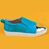 جدي قطع [بو] جلد الزلّة زرقاء على فتى متعطّل أحذية