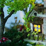 Brinquedo 2017 de madeira de venda quente do Dollhouse de Guangzhou DIY com o melhor presente da esfera de vidro à casa de árvore de Firend Noruega