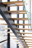 Projeto de madeira interno Prefinished da escadaria da madeira de carvalho