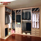 Caminata de madera blanca de la ropa en el guardarropa y el armario (GSP17-024)