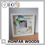 Moderner weißer Schatten-Kasten-Baby-Bilderrahmen für Andenken-Geschenk