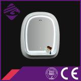 クロックが付いている木製フレームのLEDによってバックライトを当てられるタッチ画面の浴室ミラー