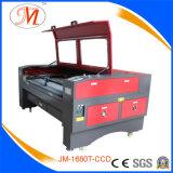 Posicionando a maquinaria do laser para a gravura de madeira (JM-1680H-CCD)