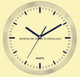 Metallo dei movimenti dell'orologio di quarzo con l'orologio di parete del mosaico di Breakglass