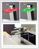 Singolo colpetto del bacino della leva della cascata di vetro quadrata