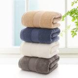 織物の卸し売り高級ホテルの浴室タオルの100%年の綿