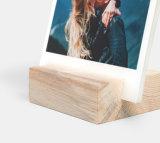Pequeño sostenedor de madera de la insignia de encargo para el menú de la tarjeta de la foto