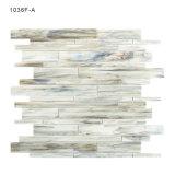 Nunca se descolora el mosaico gris del vidrio de los azulejos de la hoja de paredes del cuarto de baño