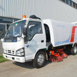 Isuzu 4 * 2 Runway Vacuum Sweeper / Diesel Power Street Sweeper