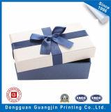 Выбитая коробка подарка бумаги картины твердая с украшением тесемки
