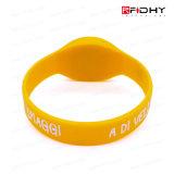 Modifica senza contatto del cinturino del Wristband del silicone del prodotto su ordinazione RFID del silicone