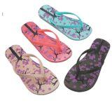 Falhanços de borracha da aleta das sandálias quentes da praia da venda para mulheres