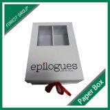 La caja de zapatos del tablero de papel de lujo con la cinta